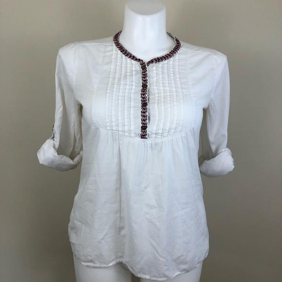 Gap pull on blouse w/ embroidery detail, sz medium